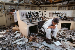 Destroyed control room, Kuwait City, Kuwait, 1991, The Unguarded Moment, final print_milan