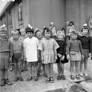 Kindergarten group at a Polish refugee camp, Pahiatua, 7 February 1945.